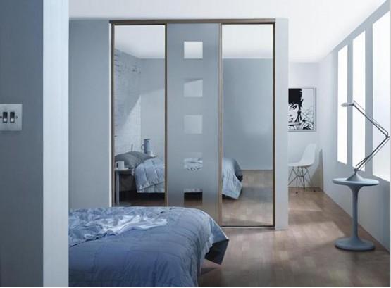 Шкаф купе в комнату с зеркалами