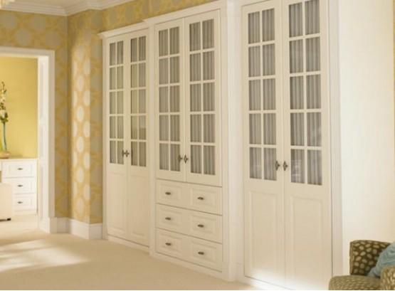 Шкаф витрина белый