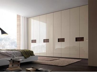 Встраиваемый шкаф и натяжной потолок