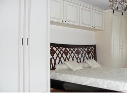 Шкафы с антресолью в спальню