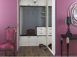 Шкаф в маленьком коридоре