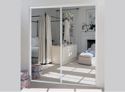 Раздвижные зеркальные двери для гардеробной