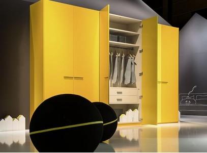 Распашные шкафы 3 метра