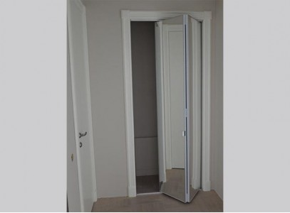 Раздвижная складная дверь
