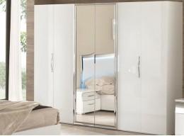 Белый глянцевый шкаф с зеркалами