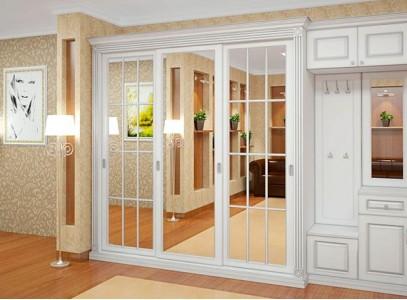 Белый шкаф классический
