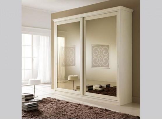 Шкаф двухдверный с зеркалом
