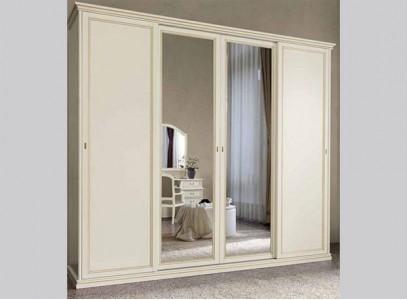 Шкаф четырехдверный распашной с зеркалом