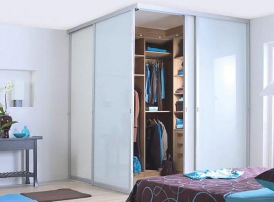 Маленький угловой шкаф в спальню
