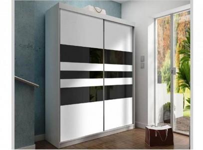 Стеклянный шкаф для одежды