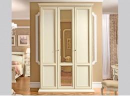 Шкаф трехдверный распашной