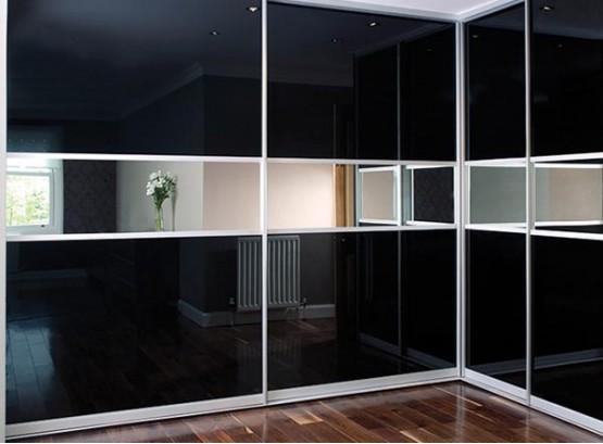 Шкаф купе с зеркальными вставками